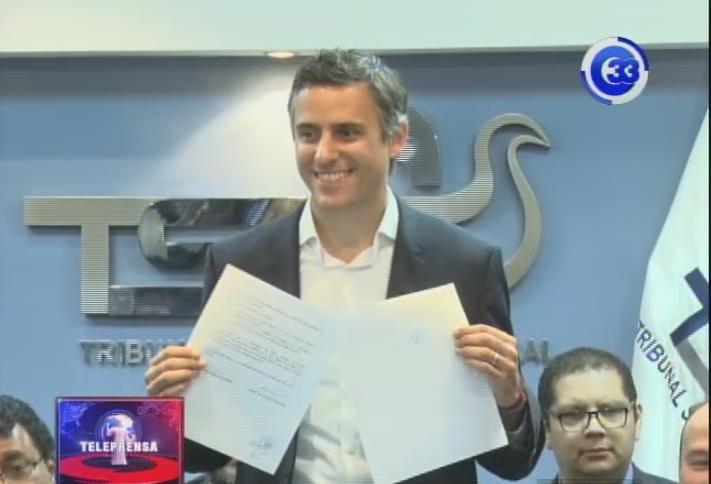 Carlos Calleja y Carmen Aída Lazo se inscriben ante TSE