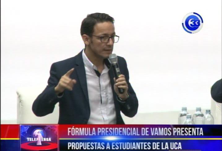 Fórmula presidencial de vamos presenta propuestas a estudiantes de la UCA