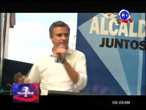 Carlos Calleja comparte con adultos mayores en Ayutuxtepeque